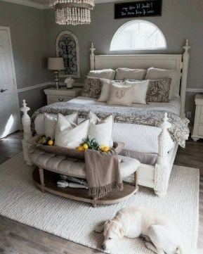 Enchanting Farmhouse Bedroom Ideas For Your House Design 32