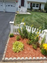 Impressive Small Front Yard Landscaping Ideas To Try 17