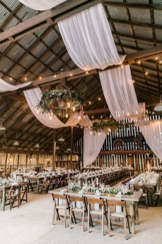Splendid Wedding Decorations Ideas On A Budget To Try 08