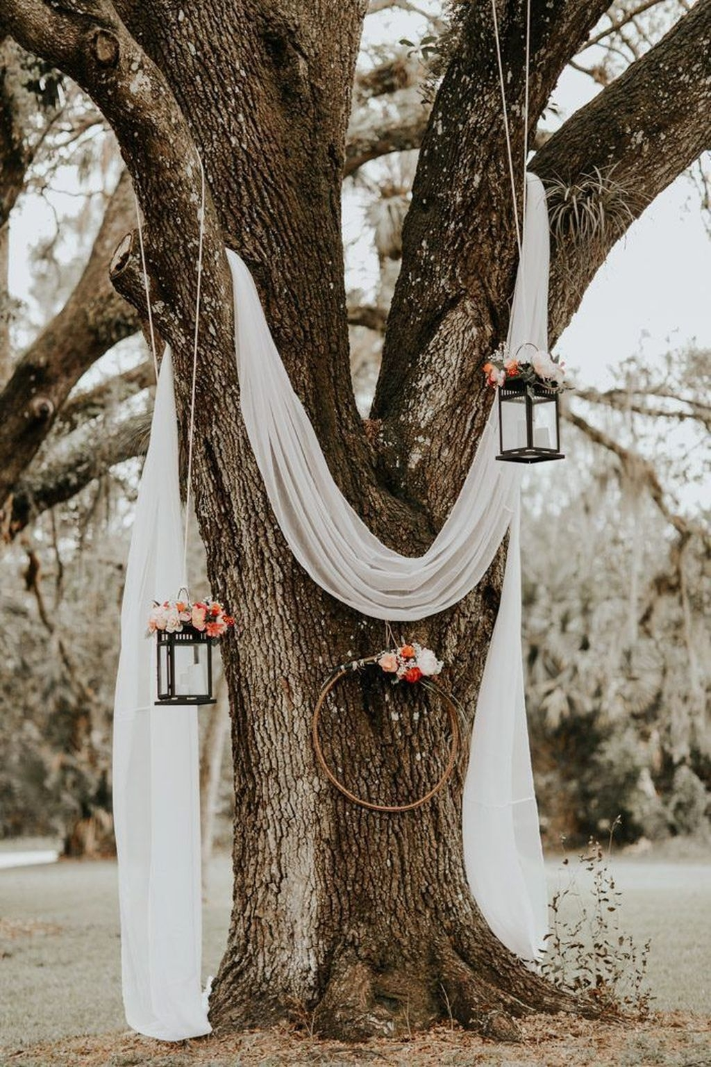Where to find Women Who Live Near You Splendid Wedding Decorations Ideas On A Budget To Try 09