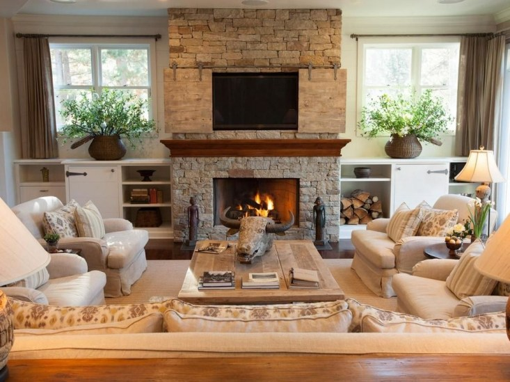Superb Warm Family Room Design Ideas For This Winter 31