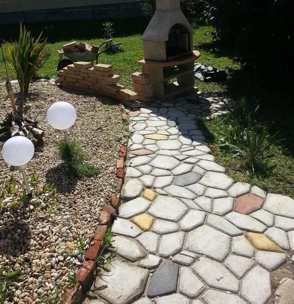 Unordinary Diy Pavement Molds Ideas For Garden Pathway To Try 22