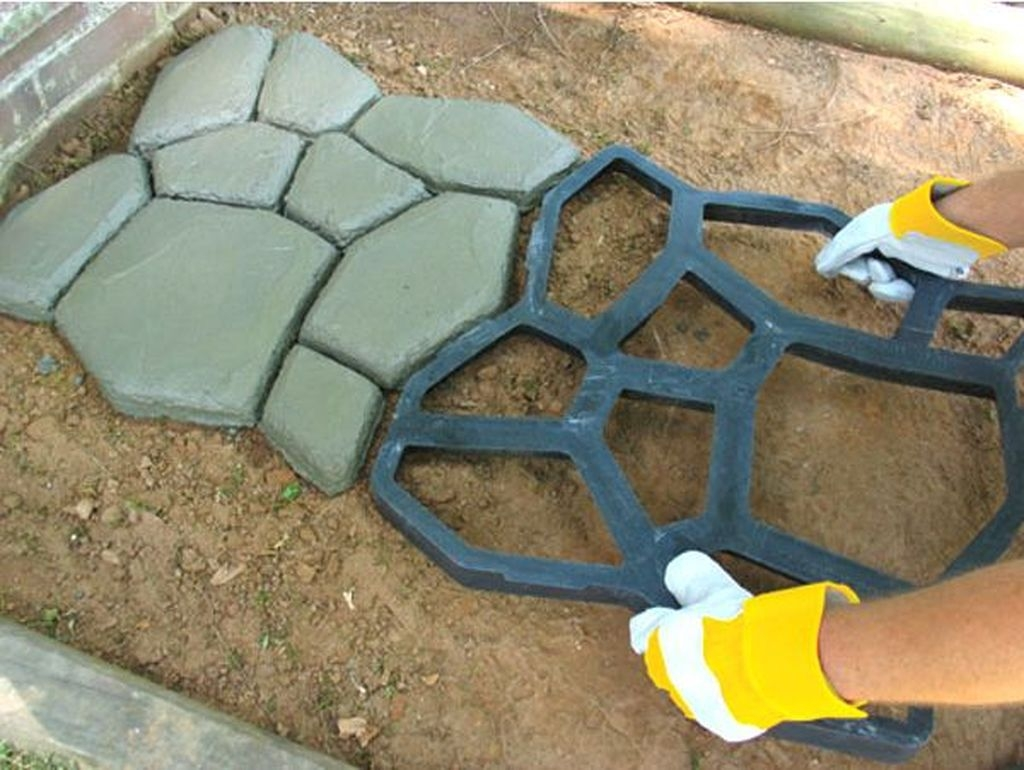 Unordinary Diy Pavement Molds Ideas For Garden Pathway To Try 45