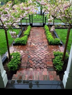 Popular Garden Path And Walkway Ideas To Your Outdoor Space 14