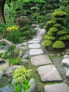 Popular Garden Path And Walkway Ideas To Your Outdoor Space 30