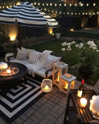 Relaxing Living Room Design Ideas For Outdoor 35