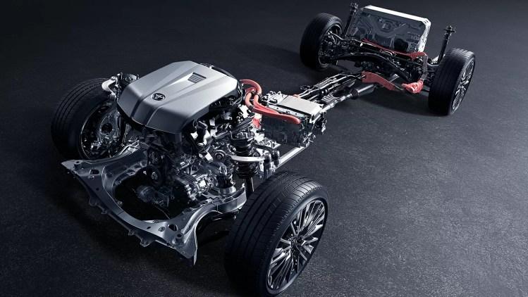 新型クラウンの燃費(実際の燃費)ってどんなもん?3.5LV6エンジンで脅威の18.0km/L!力強い加速はさすがの最高グレード!