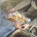 キャンプ料理・石窯でピザとチキンを焼いてみた。自然の森ファミリーオートキャンプ場