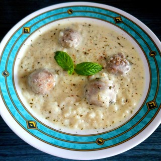 Kibbeh in warm yogurt sauce (kibbeh labaneyeh/ كبّة لبنية)