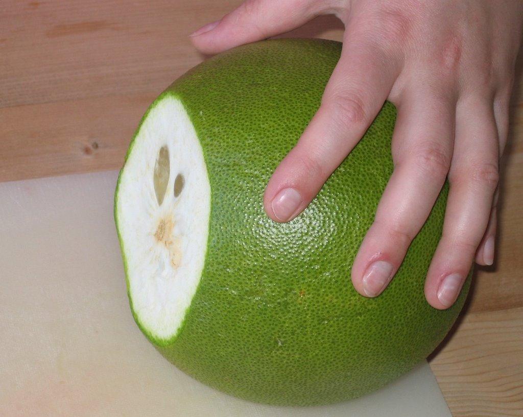 prepare pomelo 1