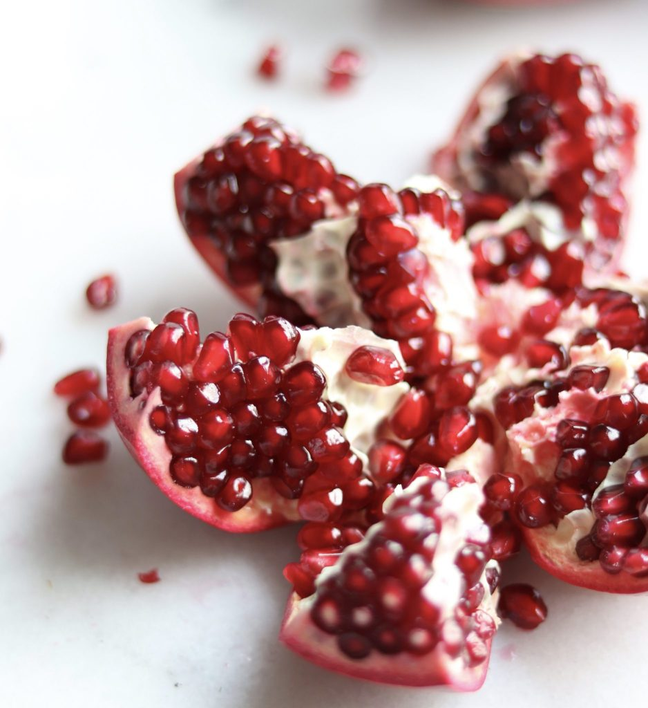 How to cut and de-seed a pomegranate