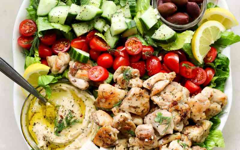 Easy Greek Salad with Chicken