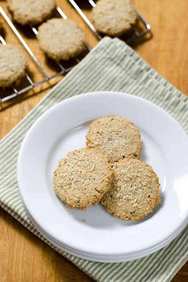 This pecan sandies recipe is so easy. Just a few ingredients make this quick paleo, vegan, gluten-free, dairy-free cookie a healthy treat!