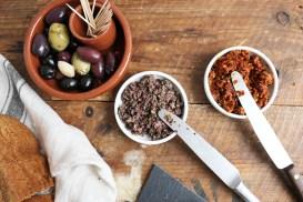 Borrelbrood met knoflook en kaas || Zelfgemaakte tapenades || cookedbyrenske