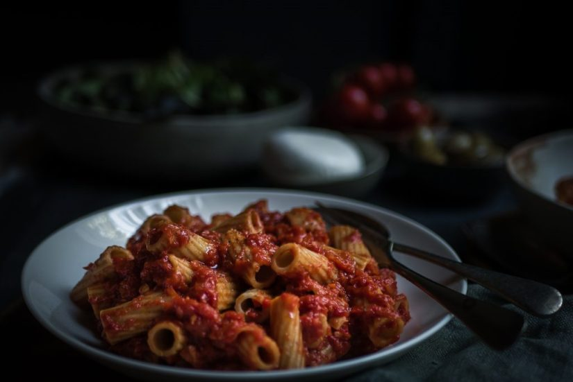 Pasta met gerookte forel en geroosterde paprika || cooked by Renske