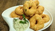 How To Make Crispy Medu Vada – Medu Vada Chutney Recipe – South Indian Recipes | Varun Inamdar