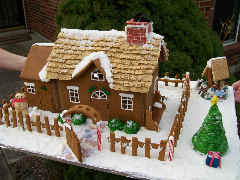 Falling Water Live Wallpaper People Who Live In Gingerbread Houses Shouldn T Throw