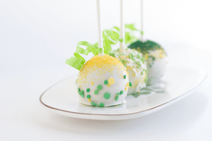 Chocolate Chip Menthe Cake Pops decorated for St. Patrick's Day
