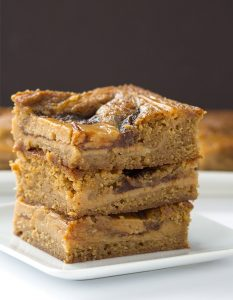 Apple Butter Cheesecake Blondies - blondies packed full of apple butter and a beautiful cheesecake swirl!