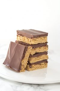 No Bake Peanut Butter Potato Chip Bars - sweet and salty peanut butter potato chip filling with a milk chocolate layer on top.