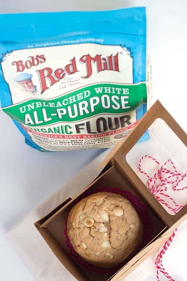 strawberry cheesecake cookies in a gift box