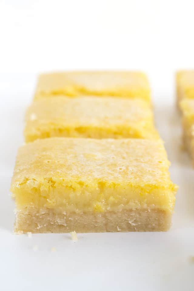 close up of lemony lemon bars showing layers