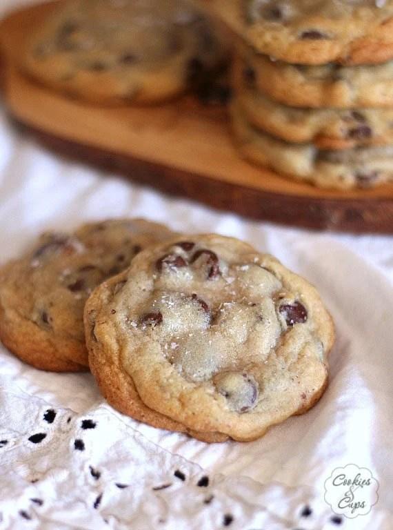 The Ritz Carlton Chocolate Chip Cookies | www.cookiesandcups.com