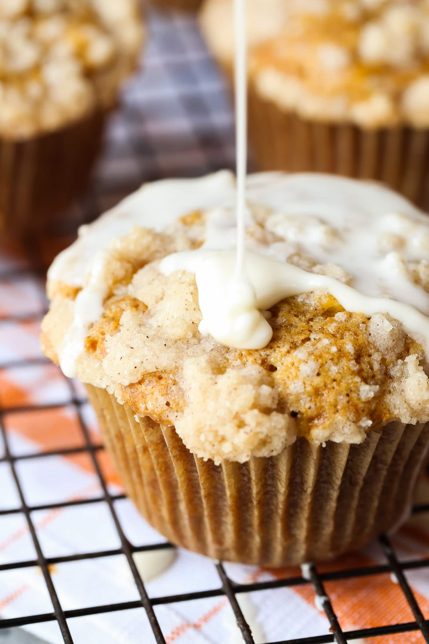 Pumpkin Apple Muffins - Cookies and Cups