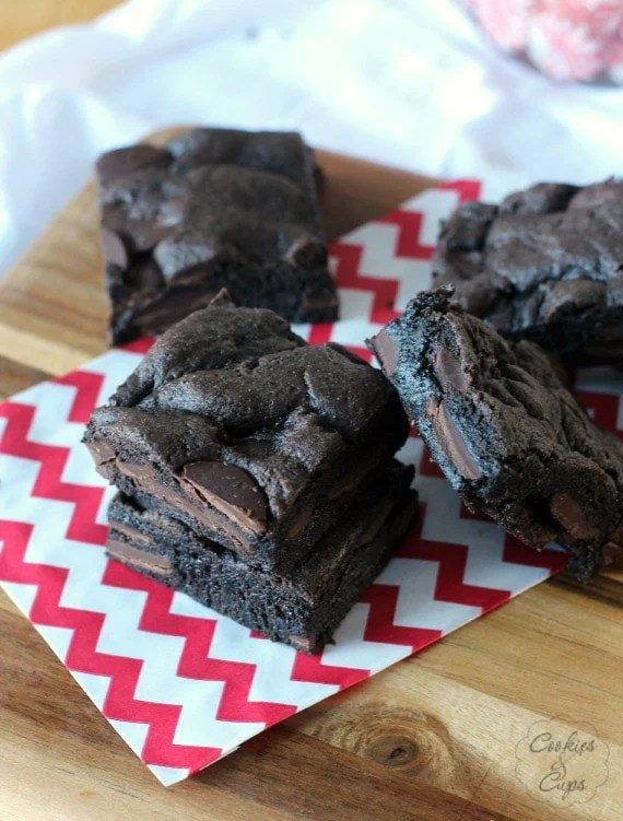 Cake Mix Brownies | www.cookiesandcups.com