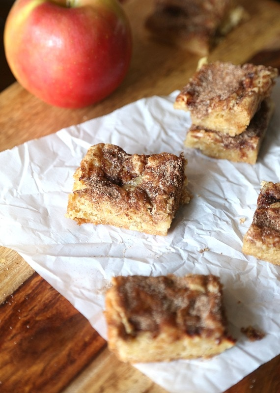 Chunky Apple Snickerdoodles...a soft, buttery bar loaded with apples and cinnamon sugar! Such a fun twist on the average Snickerdoodle!
