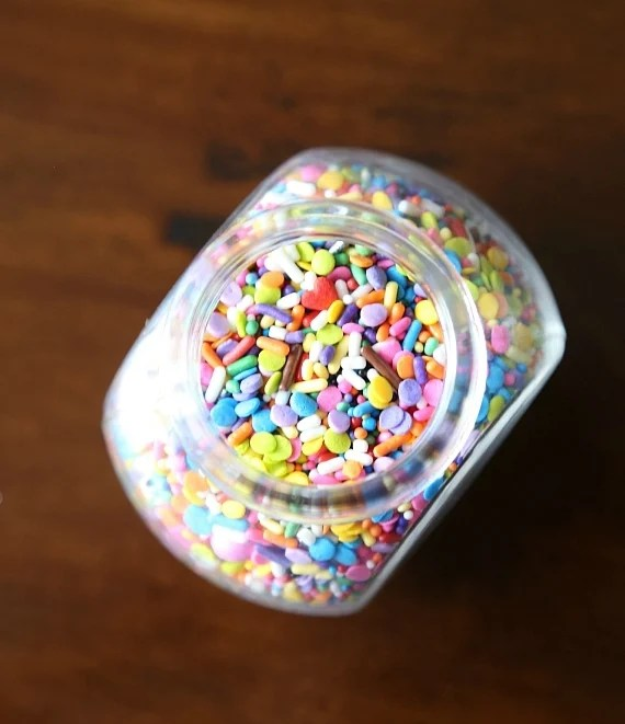 These SUPER SOFT Sprinkle Pudding cookies are so so easy and loaded with vanilla flavor!