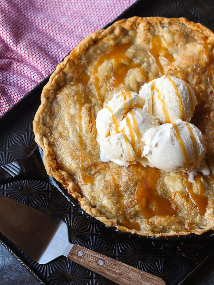 Easy Skillet Caramel Apple Pie