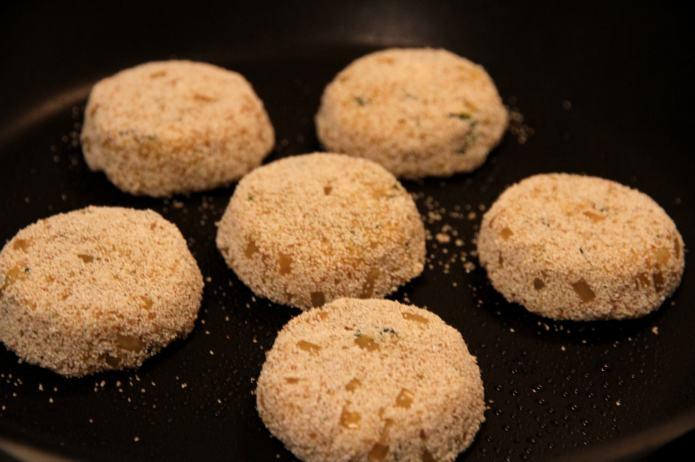 Roasting Quinoa cakes