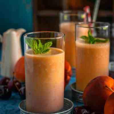 Healthy Peach & Raspberry Smoothie
