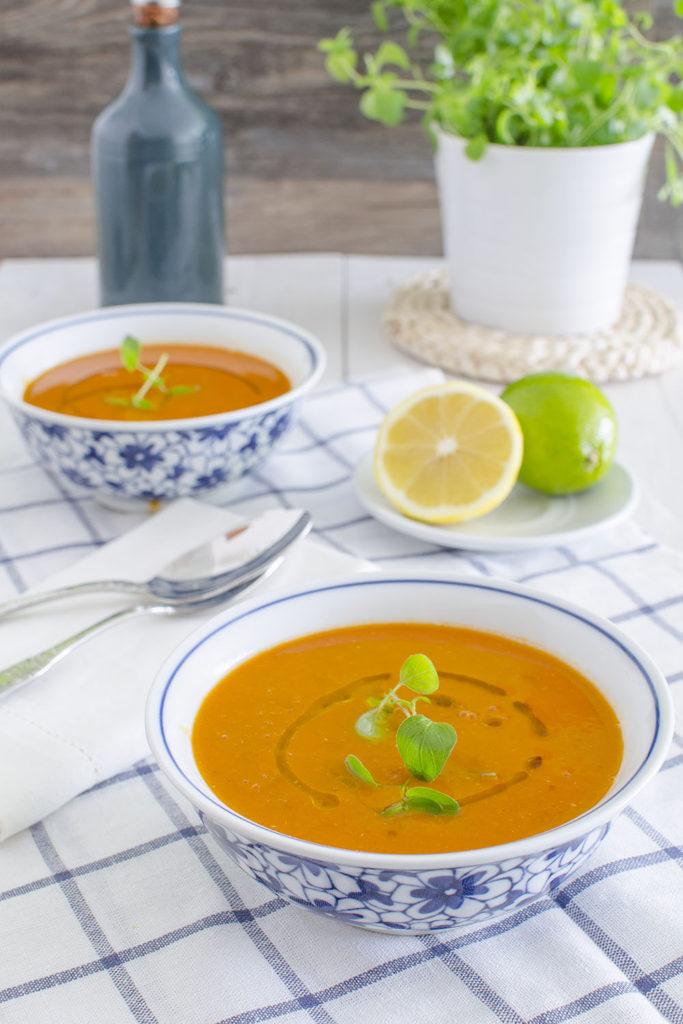 Sopa turca de tomate y lentejas  Receta Mycook