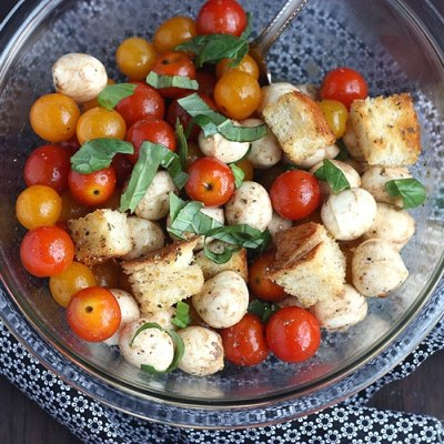 Tomato, Basil, and Mozzarella Salad