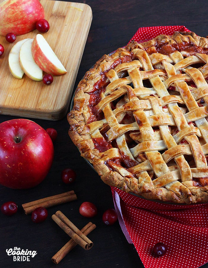 baked lattice cranberry apple pie