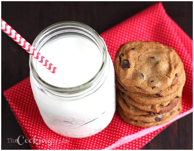 How to make chocolate chip cookies from scratch - CookingBride.com