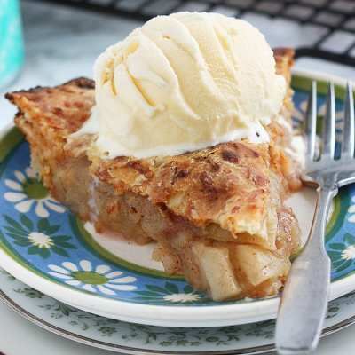 Granny Smith Apple Pie with Cheddar Cheese Crust