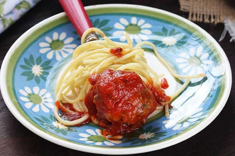 How to Make Easy Meatballs from Scratch