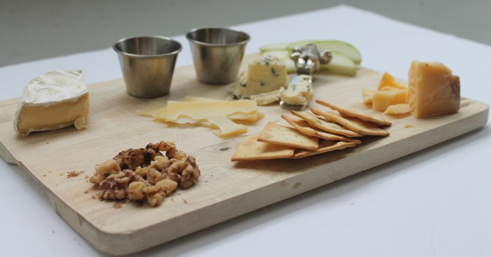 how to build a cheese board