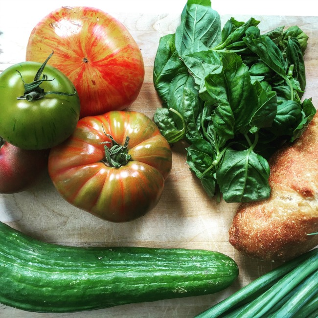 farmers market panzanella salad