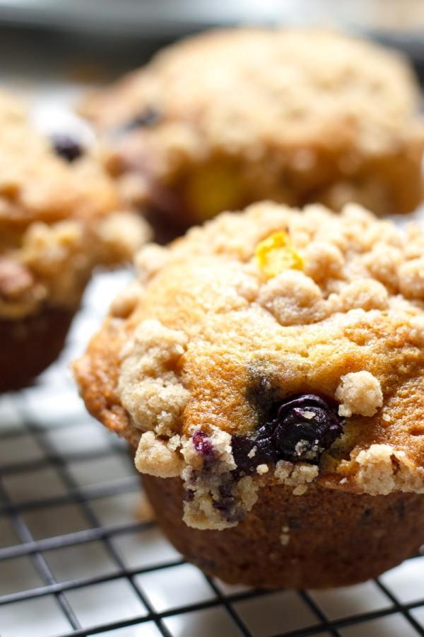 Easy Morning Streusel Breakfast Muffins