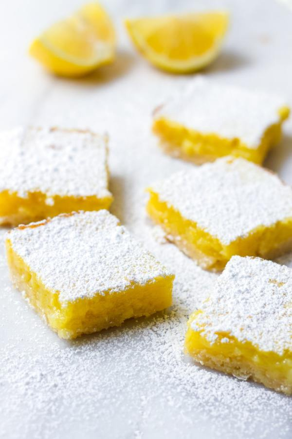Lemon Square Bars Dusted with Confectioner's Sugar