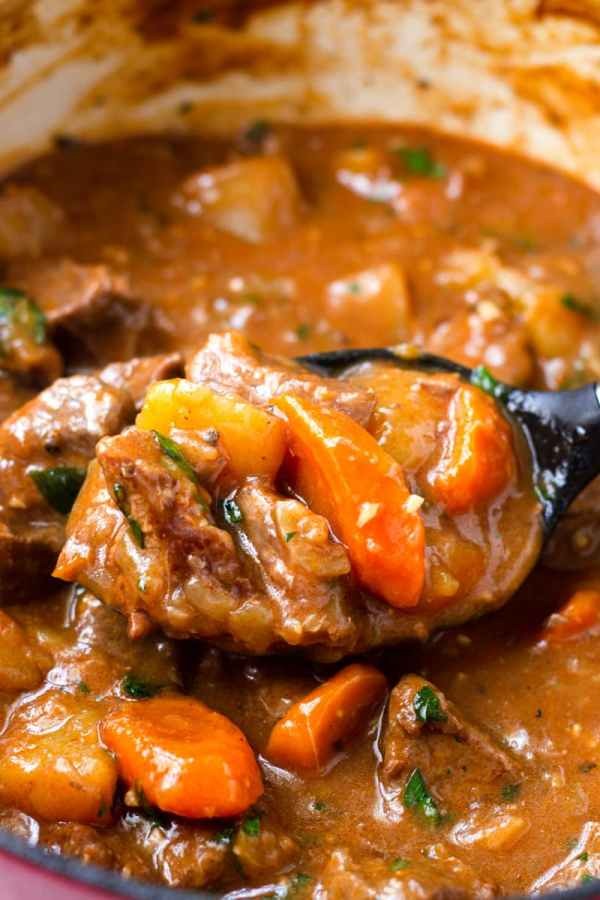 Thick and Heart Beef Stew With Carrots