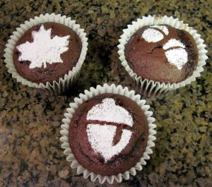How to Stencil Fall Cupcakes