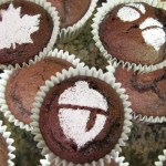 Easy Stenciled Cupcakes for the Holidays