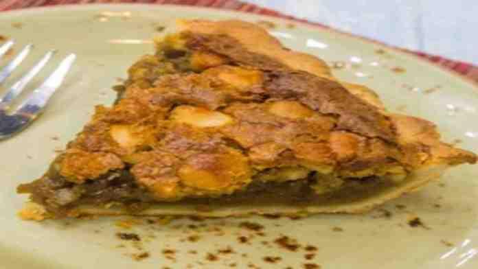 Chef-Lee-Anne-Wong-Koloa-Mac-Rum-Pie