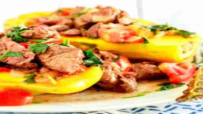 Anuhea's-Beef-Poke-Served-in-a-Papaya