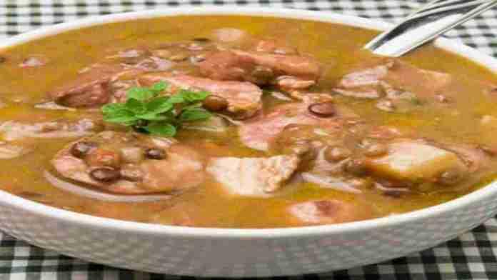 Slow-Cooker-Portuguese-Sausage-Lentil-Soup